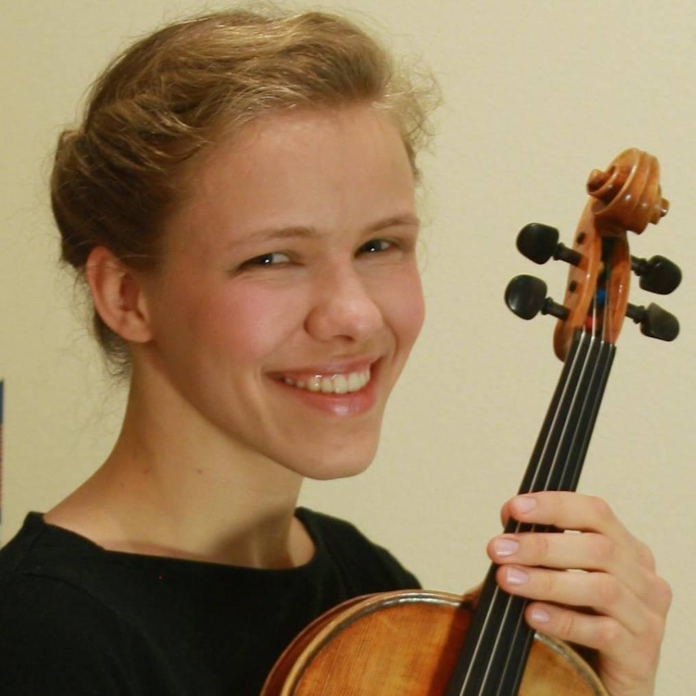 Teresa-Bloemer-Violin-viola teacher